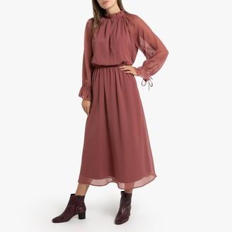 Ruffled Boho Midi Dress with Long Sleeves