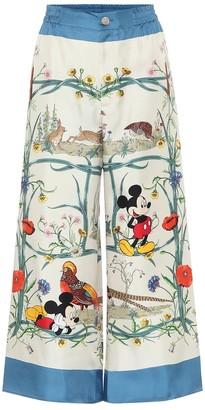 Gucci x DisneyA printed silk palazzo pants
