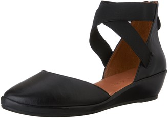 Gentle Souls Women's Noa Wedge Ballet