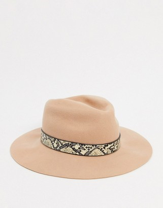 Pieces wool hat with snake trim in toasted coconut