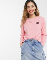 Tommy Jeans recycled badge long sleeve t-shirt in pink
