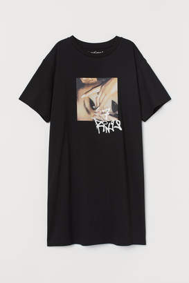 H&M T-shirt dress with a motif