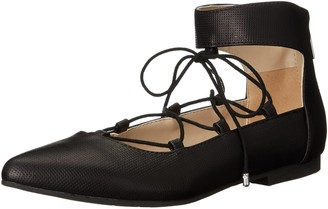 Two Lips Women's Too Willow Pointed Toe Flat