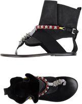 Latitude Femme Toe strap sandals