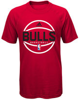 adidas Boys' Chicago Bulls Practice Wear Ultimate T-Shirt