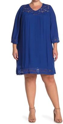 Sharagano Lace Trim 3/4 Sleeve Shift Dress (Plus Size)