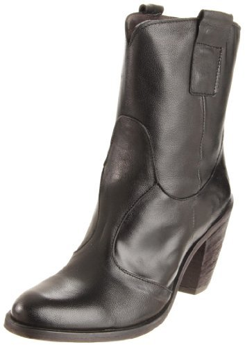 Chocolat Blu Women's Yasmine Ankle Boot