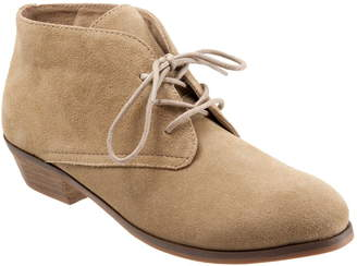 SoftWalk Ramsey Chukka Boot