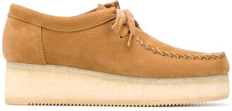 Clarks Wallacraft suede flatform shoes