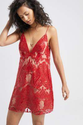 Free People Night Shimmers Lace Mini Dress - red UK 10 at Urban Outfitters
