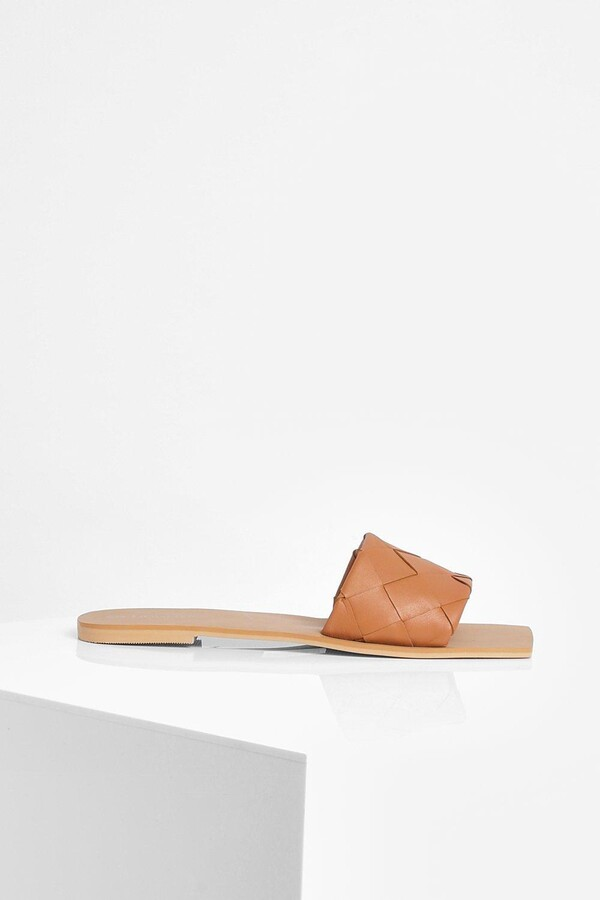 Thumbnail for your product : boohoo Wide Fit Leather Woven Square Toe Slider