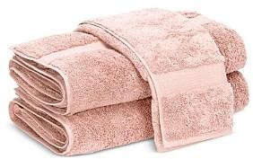 Matouk Lotus Fingertip Towel