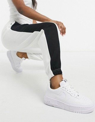New Look half leg colour block jogger in mono black