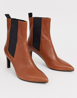 Vagabond Whitney brown leather heeled ankle boots