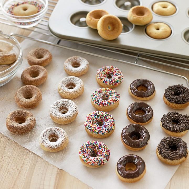 Williams-Sonoma Mini Donut Pan And Mix Set