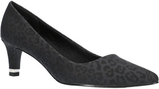 Easy Street Shoes Heel Rand Pumps - Pointed