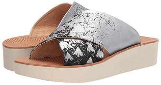 OluKai 'Onohi (Tapa/Bubbly) Women's Sandals