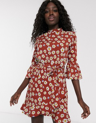 Influence tie waist swing dress with three quarter length sleeves in floral print-Red