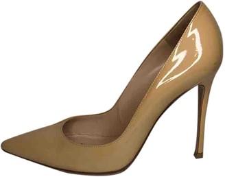 Gianvito Rossi Beige Patent leather Heels