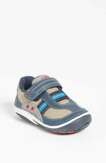 Stride Rite 'Dalton' Sneaker (Baby & Walker)