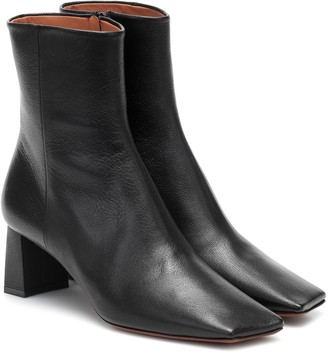 Vetements Boomerang leather ankle boots