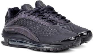 Nike Deluxe sneakers