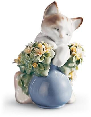 Lladro Dreamy Kitten Figurine