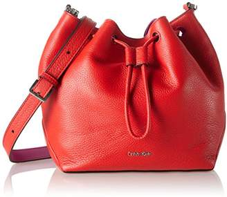 Calvin Klein Jeans Women's MIA MINI DRAWSTRING Cross-body Bag, Fiery RED/Berry 908), (B x H x T)