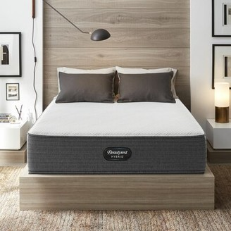 "Simmons Hybird 13"" Plush Hybrid Mattress and Box Spring Mattress Size: Twin, Box Spring Height: Low Profile"