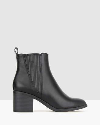 betts Essence Block Heel Ankle Boots