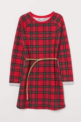 H&M Sweatshirt dress with a belt