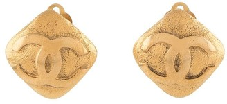 Chanel Pre Owned 1990s CC diamond-shaped earrings