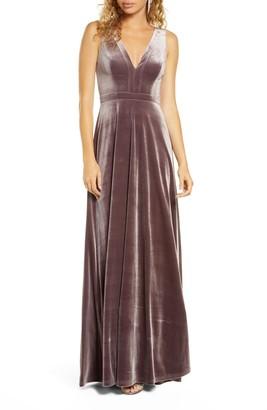 Lulus Besame Beautiful Night V-Neck Velvet Gown