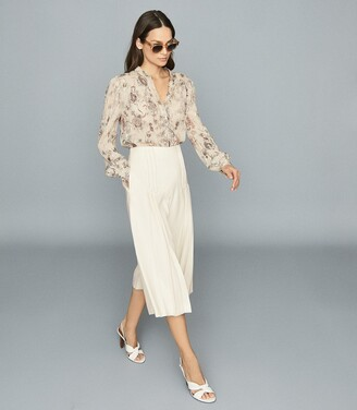 Reiss Aurora - Pleated Culotte Trousers in Cream