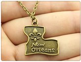 Nobrand No brand antique bronze plated 23*24mm Fleur de lis pendant necklace