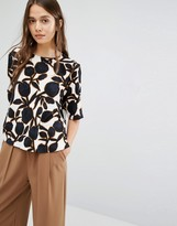 Selected Top in Bold Print