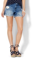"New York & Co. Soho Jeans Bowery 4"" Short - Star Print"
