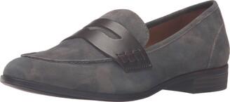 G.H. Bass & Co. Women's Emilia Pointed Toe Flat