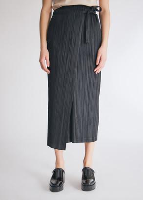 Pleats Please Issey Miyake Women's Thicker Bottoms Skirt in Black, Size 1