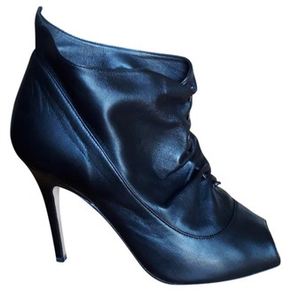 Manolo Blahnik Black Leather Ankle boots