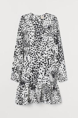 H&M Tapered-waist Dress - White