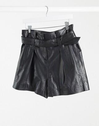 Muu Baa Muubaa donan paper-bag waist leather shorts in black