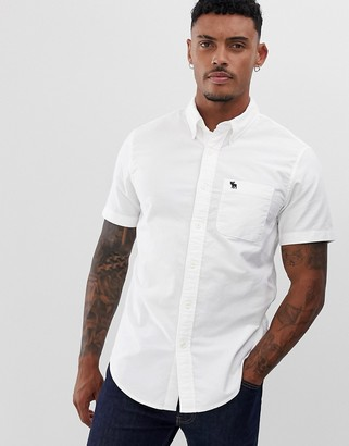 Abercrombie & Fitch icon logo short sleeve oxford shirt in white
