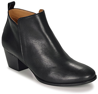 Emma.Go Emma Go WALLACE women's Low Ankle Boots in Black