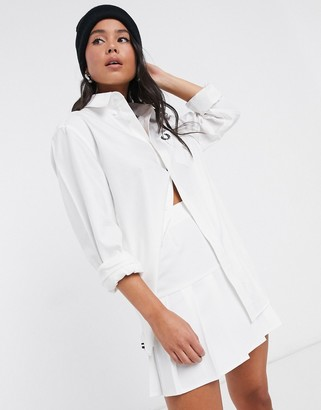 Fred Perry oversized boyfriend oxford shirt in white