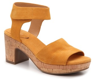 Crown Vintage Sewnja Platform Sandal