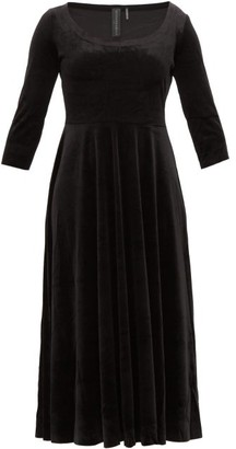 Norma Kamali Scoop-neck Velvet Midi Dress - Womens - Black