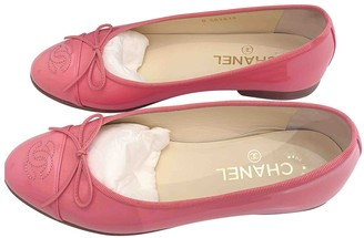 Chanel Pink Patent leather Ballet flats