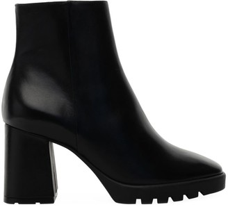 Schutz Hyra Lug-Sole Leather Ankle Boots