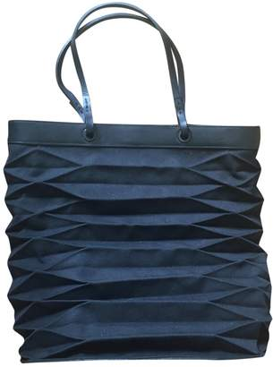 Issey Miyake Black Polyester Handbags